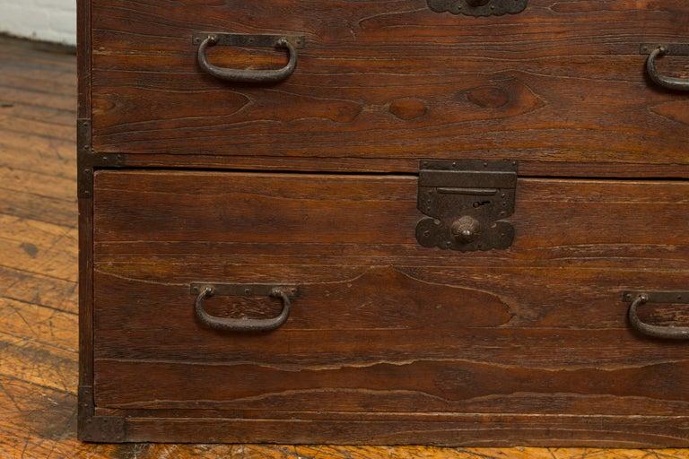 Japanese Meiji Period 19th Century Keyaki Wood Tansu Three-Drawer Clothing Chest For Sale 2