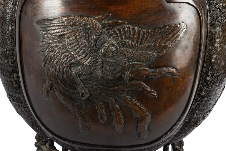 Japanese Meiji Period Bronze Jardinière, 19th Century In Good Condition For Sale In Brighton, Sussex