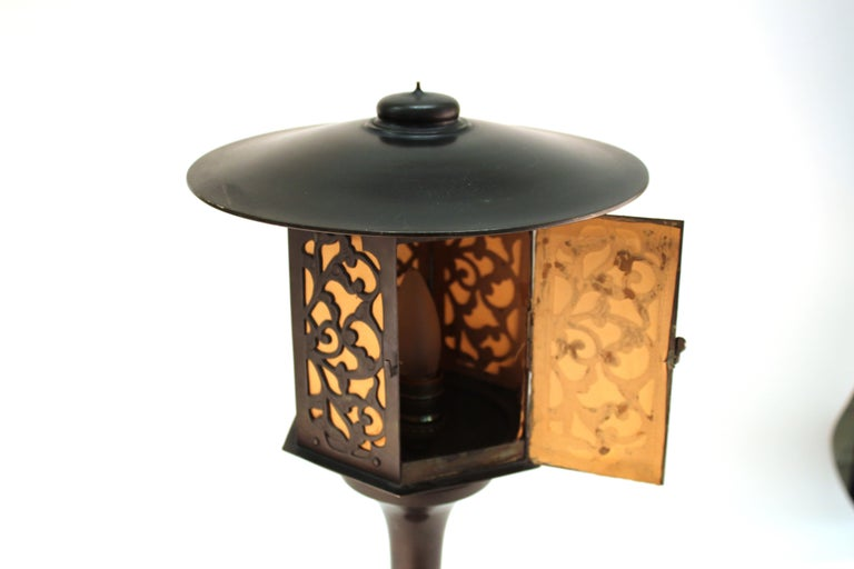 Japanese Meiji Period Bronze Lantern Table Lamp For Sale 8