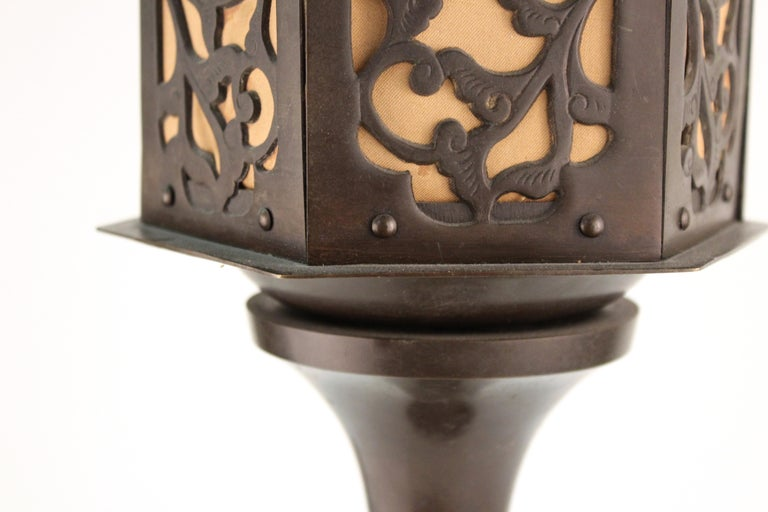 Japanese Meiji Period Bronze Lantern Table Lamp For Sale 3