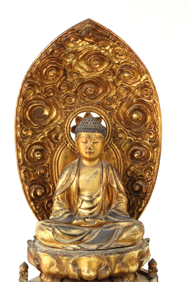 Japanese Meiji Period Lacquered Wood Buddha with Mandorla For Sale 3