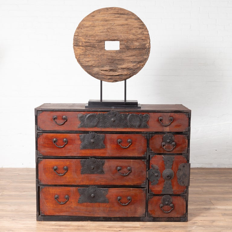Japanese Meiji Period Tansu Chest in the Sendai Dansu Style Made of Keyaki Wood For Sale 13
