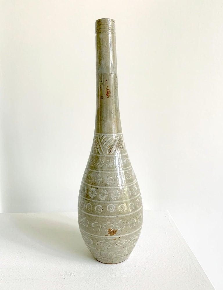 Japanese Mishima Ceramic Vase Meiji Period In Good Condition For Sale In Atlanta, GA