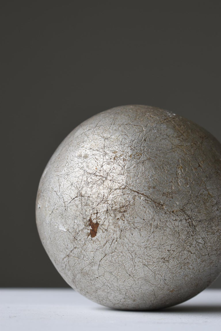 Japanese Old Aluminum Ball 1920s-1950s/Antique Object Figurine Wabisabi Art In Good Condition For Sale In Sammushi, JP
