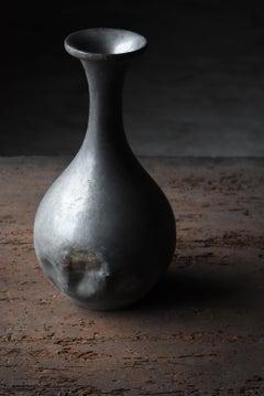 Japanese old sake bottle made of tin 1850s-1900s/flower vase vessel wabisabi-art
