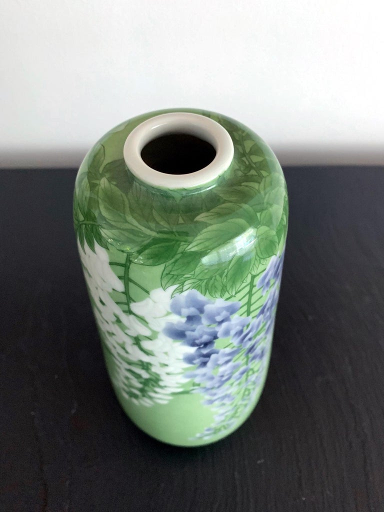 Japanese Porcelain Vase by Makuzu Kozan Meiji Era For Sale 2