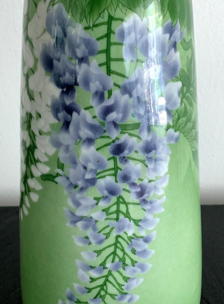 Japanese Porcelain Vase by Makuzu Kozan Meiji Era For Sale 3