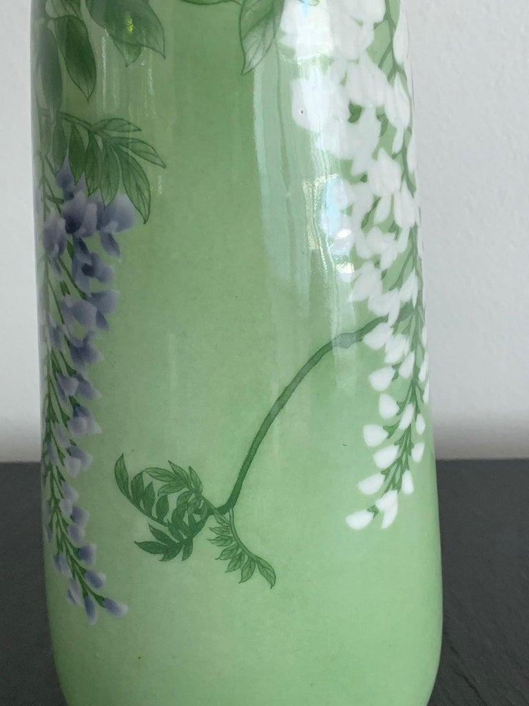 Japanese Porcelain Vase by Makuzu Kozan Meiji Era For Sale 4