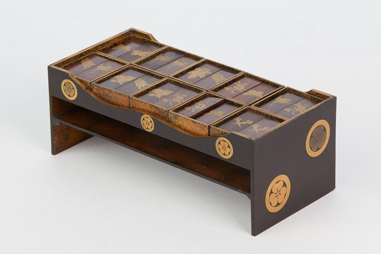 Japanese Rare Lacquered Wood Sensory Game, 19th Century In Good Condition For Sale In Bishop's Stortford, Hertfordshire