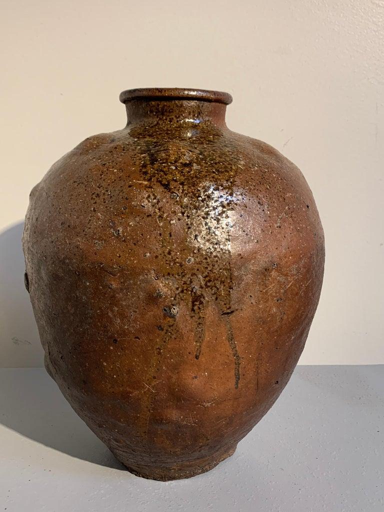 Japanese Shigaraki Large Storage Jar, Tsubo, Muromachi to Edo Period, circa 1600 For Sale 2
