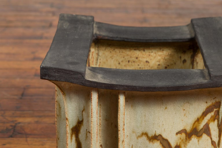 Ceramic Japanese Taishō Period Early 20th Century Hibachi with Black Edges For Sale