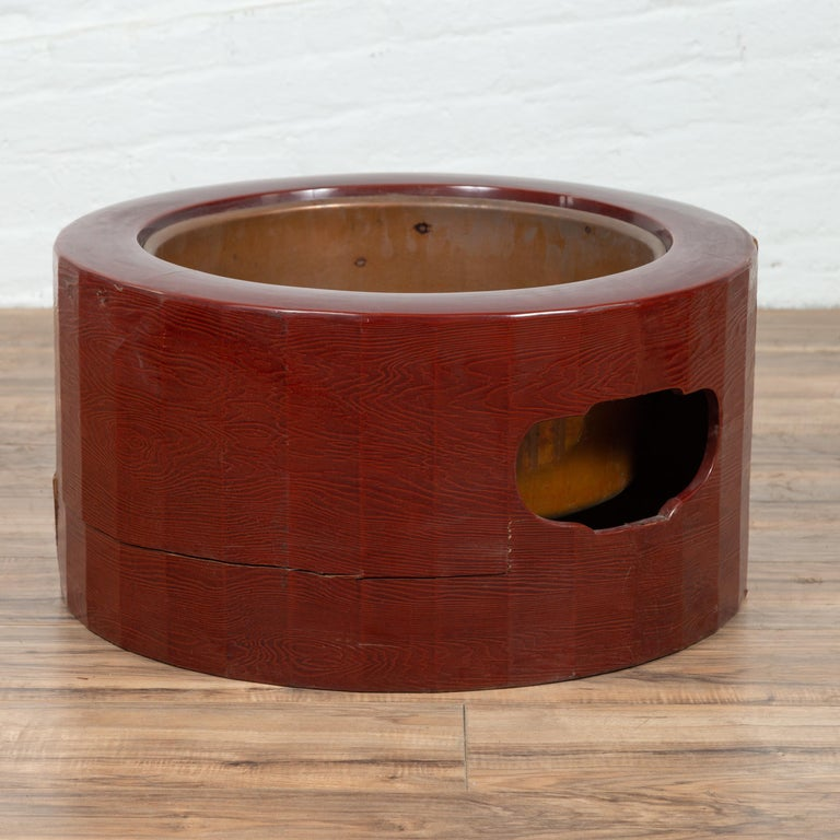 Taisho Japanese Taishō Period Early Red Lacquered Circular Hibachi, Early 20th Century For Sale