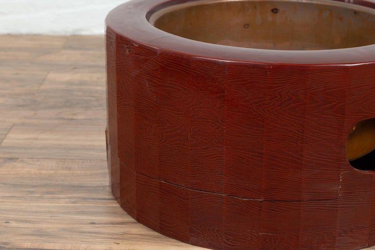 Japanese Taishō Period Early Red Lacquered Circular Hibachi, Early 20th Century For Sale 1