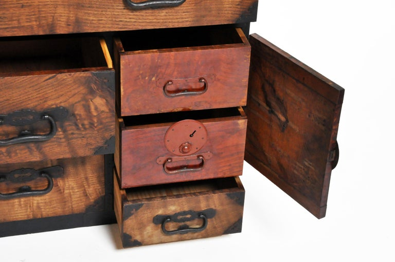 Japanese Tansu with Hand-Forged Hardware For Sale 7