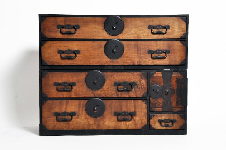 Japanese Tansu with Hand-Forged Hardware For Sale 9