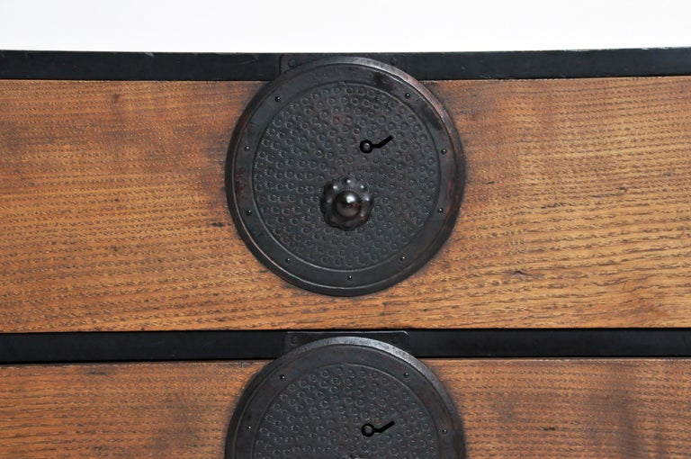 Japanese Tansu with Hand-Forged Hardware For Sale 3