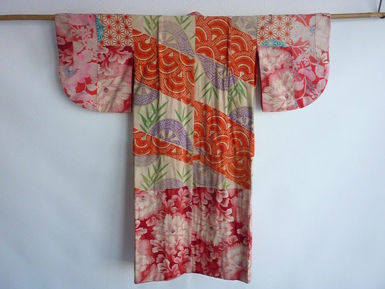 Japanese teen-size red cherry blossom printed patchwork vintage Kimono  For Sale 8
