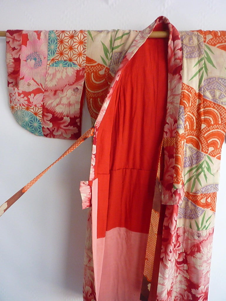 Circa: 1920-1930 Place of Origin: Japan Material: Cotton Condition: Fair  Price reflects the