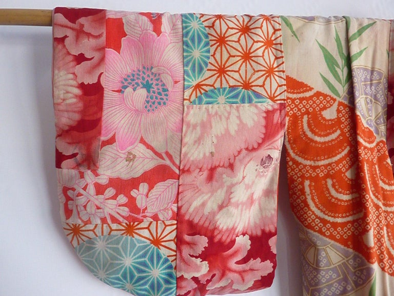 Red Japanese teen-size red cherry blossom printed patchwork vintage Kimono  For Sale