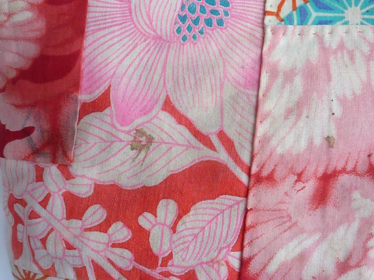 Japanese teen-size red cherry blossom printed patchwork vintage Kimono  For Sale 1