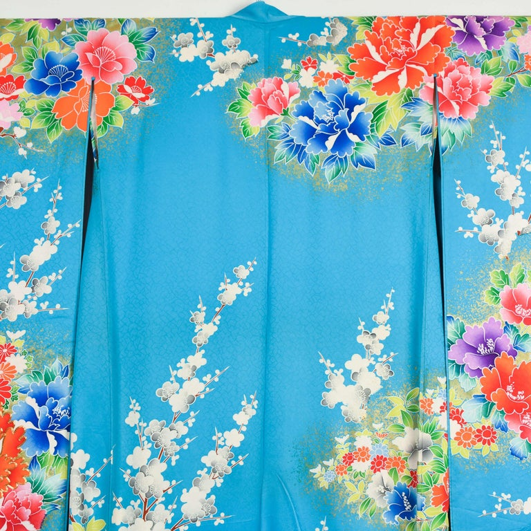 Hand-Painted Japanese Vintage Women's Silk Wedding Kimono 'Hiki-furisode' For Sale