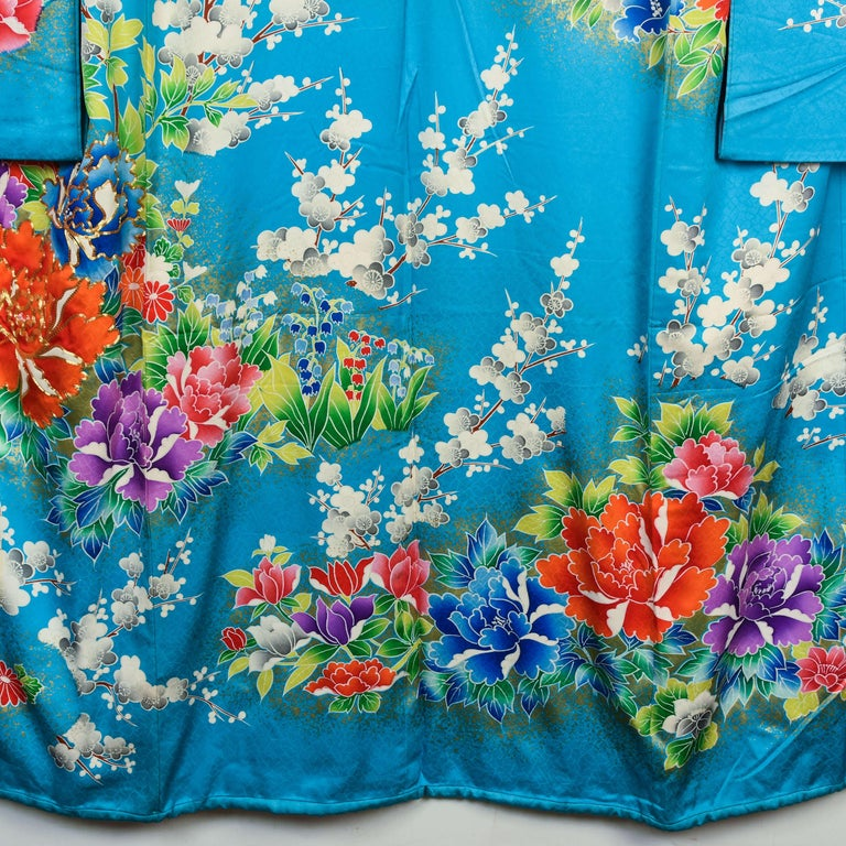 Japanese Vintage Women's Silk Wedding Kimono 'Hiki-furisode' In Good Condition For Sale In Prahran, Victoria