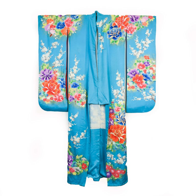 20th Century Japanese Vintage Women's Silk Wedding Kimono 'Hiki-furisode' For Sale