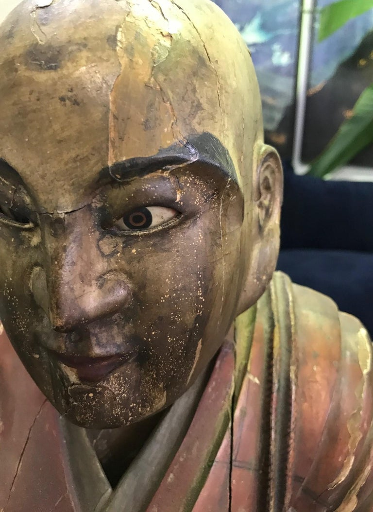 Japanese Wood Carved Polychrome Sculpture of a Seated Temple Monk, Edo Period In Good Condition For Sale In Studio City, CA