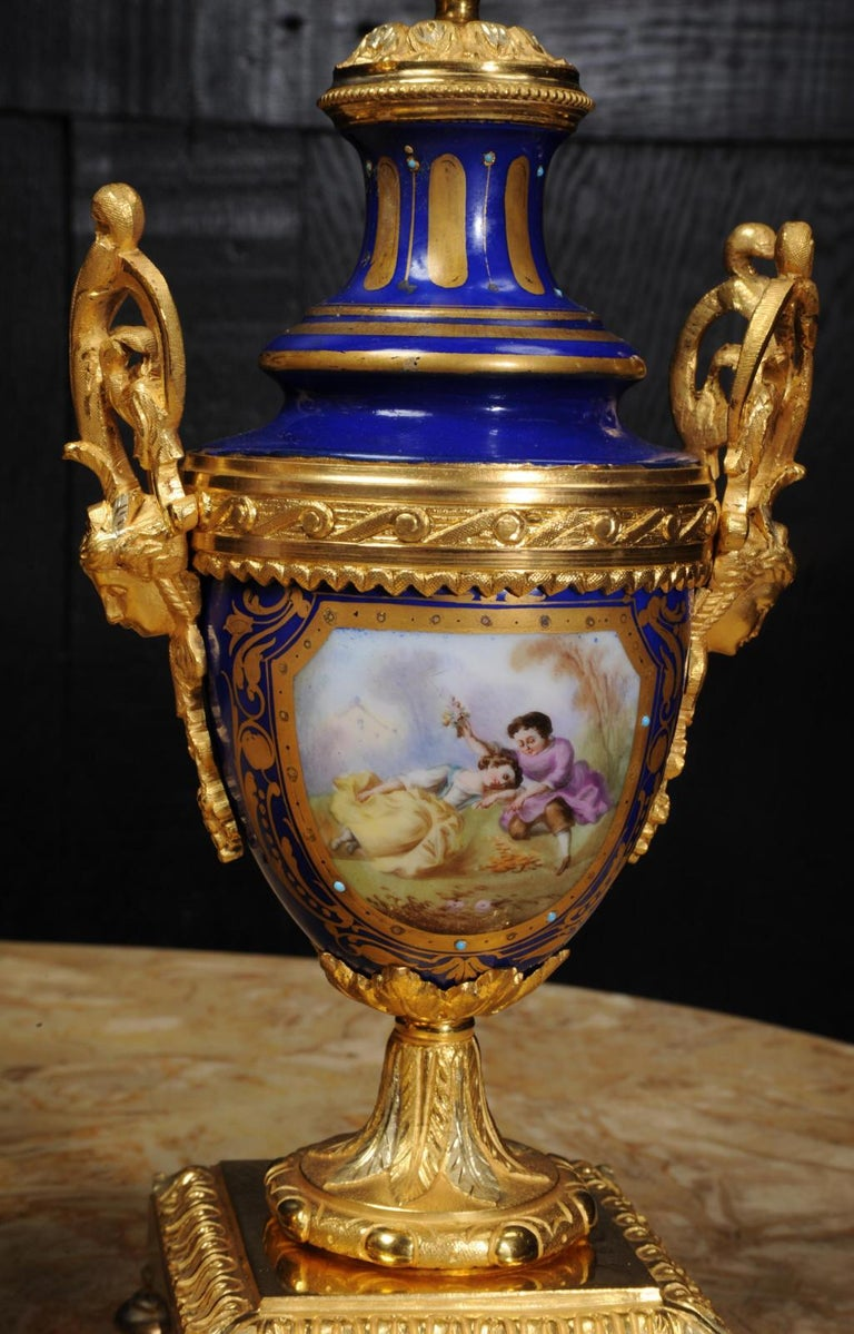Japy Freres Messingbeschläge und Sevres Porzellan antike französische Uhr Set 13