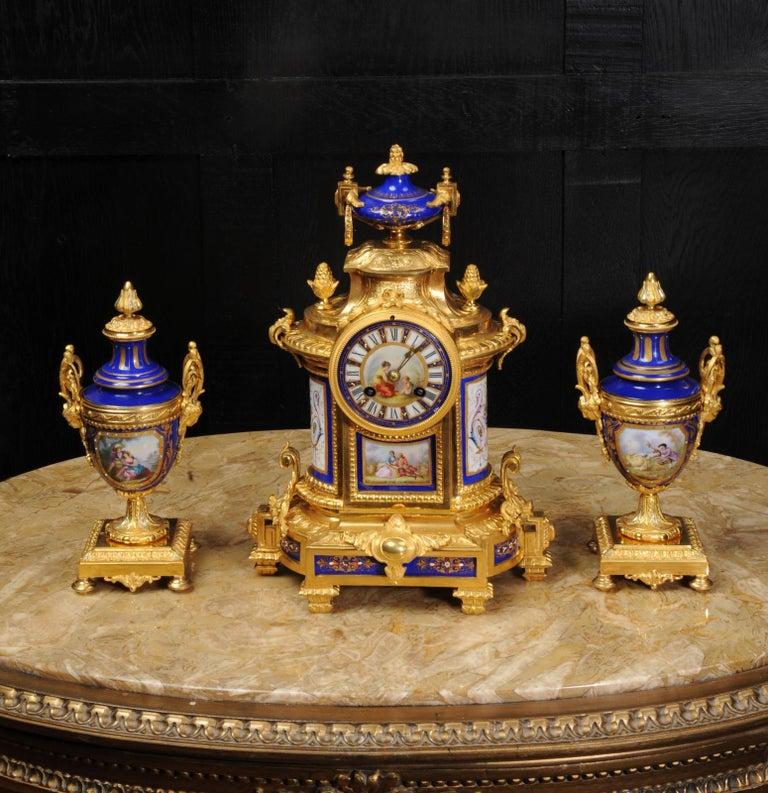 Japy Freres Messingbeschläge und Sevres Porzellan antike französische Uhr Set 2