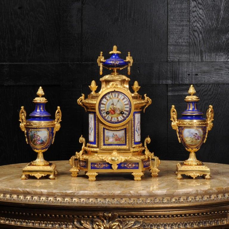 Japy Freres Messingbeschläge und Sevres Porzellan antike französische Uhr Set 4