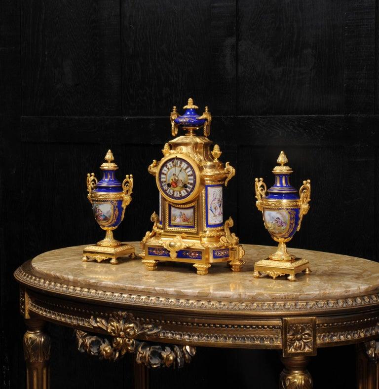 Japy Freres Messingbeschläge und Sevres Porzellan antike französische Uhr Set 5