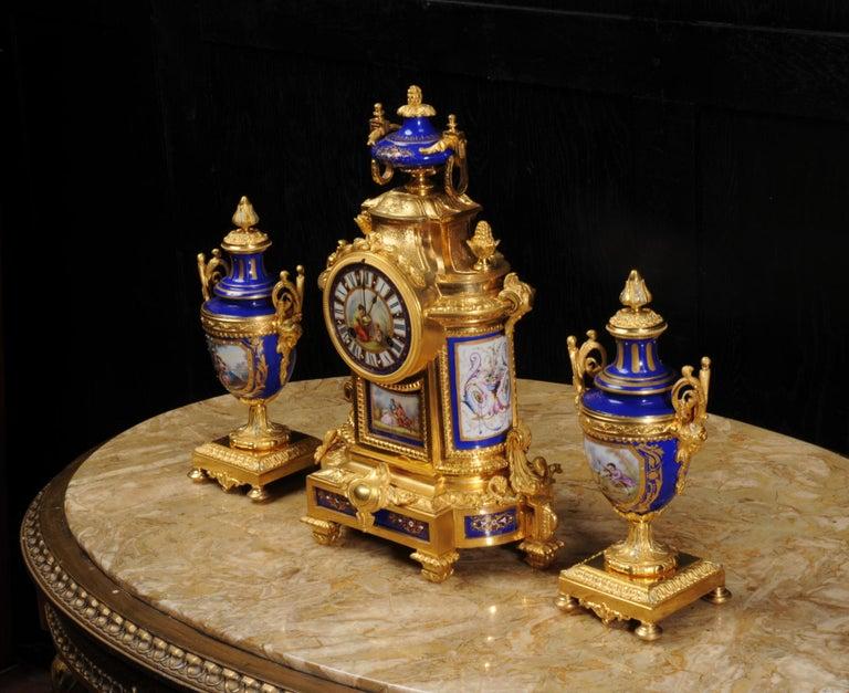 Japy Freres Messingbeschläge und Sevres Porzellan antike französische Uhr Set 8