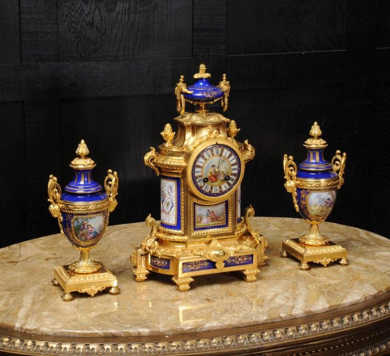 Japy Freres Messingbeschläge und Sevres Porzellan antike französische Uhr Set 9