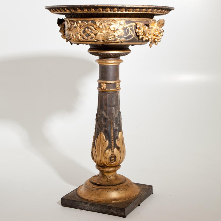 Jardinière, France, circa 1900 In Good Condition For Sale In Greding, DE