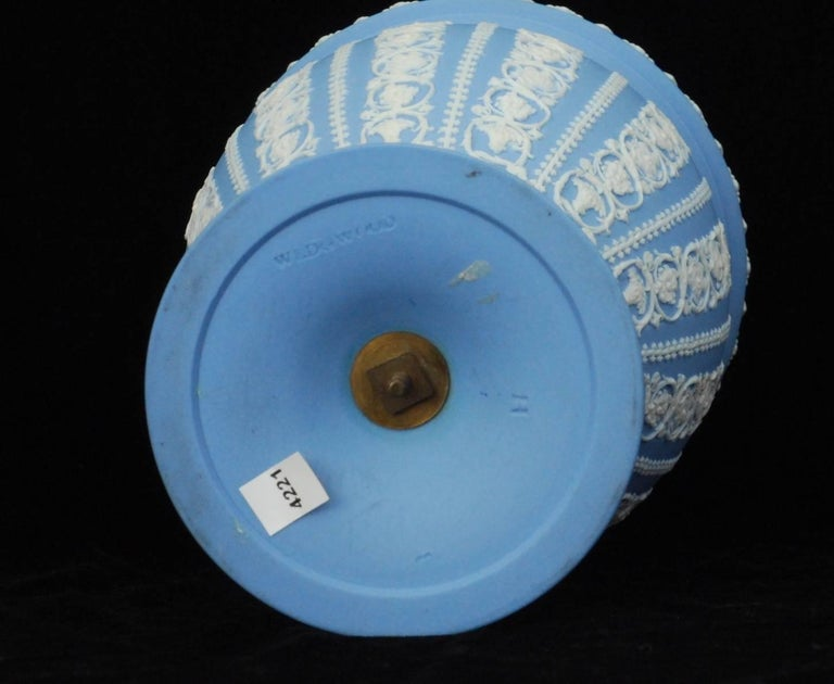 Neoclassical Jasperware Vase, Shell and Arabeqsue, Wedgwood, circa 1800 For Sale