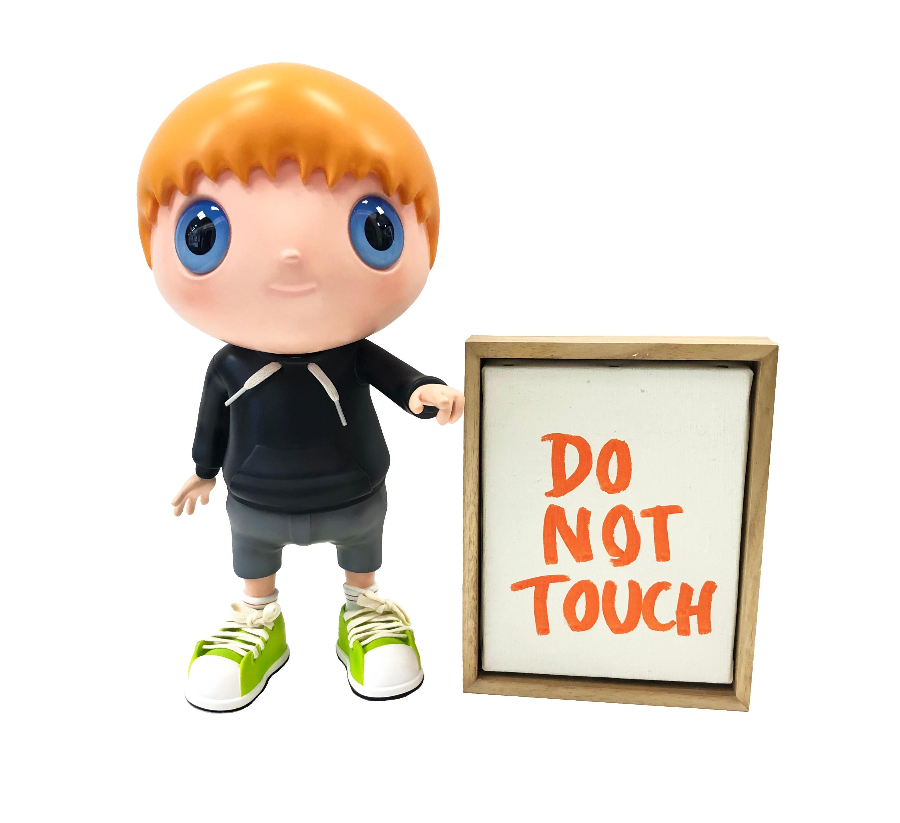 DO NOT TOUCH (MULTICOLOR)