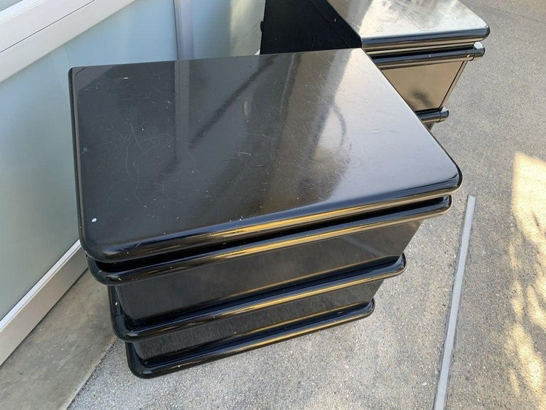20th Century Jay Spectre Nightstands in Black Lacquer and Brushed Chrome Plinth For Sale