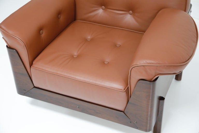 J.D. Moveis e Decoracoes Brazilian Rosewood and Leather Lounge Chairs, 1960s For Sale 8