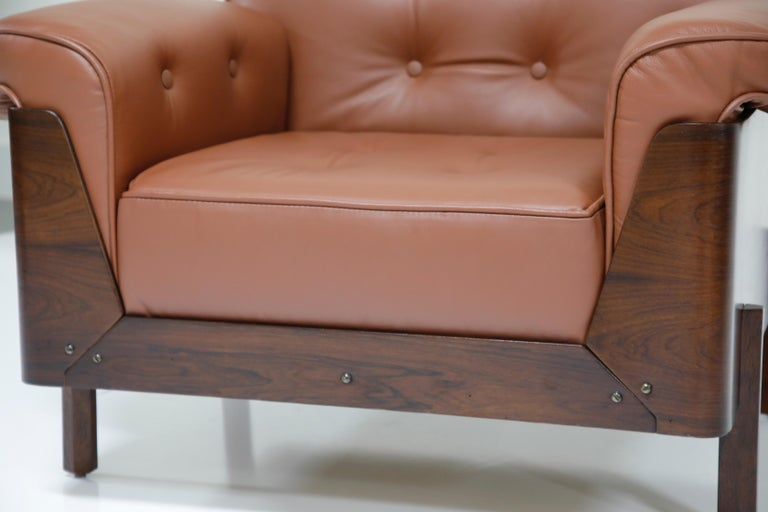 J.D. Moveis e Decoracoes Brazilian Rosewood and Leather Lounge Chairs, 1960s For Sale 9