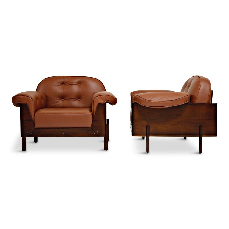 Mid-Century Modern J.D. Moveis e Decoracoes Brazilian Rosewood and Leather Lounge Chairs, 1960s For Sale