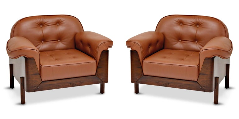 J.D. Moveis e Decoracoes Brazilian Rosewood and Leather Lounge Chairs, 1960s In Excellent Condition For Sale In Los Angeles, CA