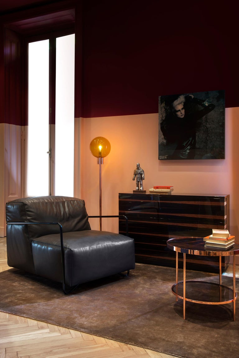 Je T'Attends Armchair in Magenta Velvet and Polished Black Metal 10