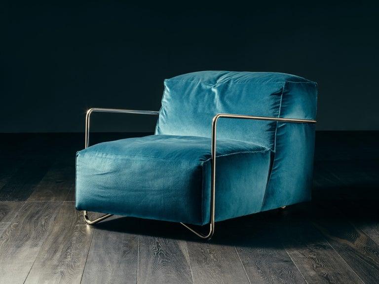 Je T'Attends Armchair in Magenta Velvet and Matte Black Metal In New Condition For Sale In Ponte Enza di Gattatico, IT