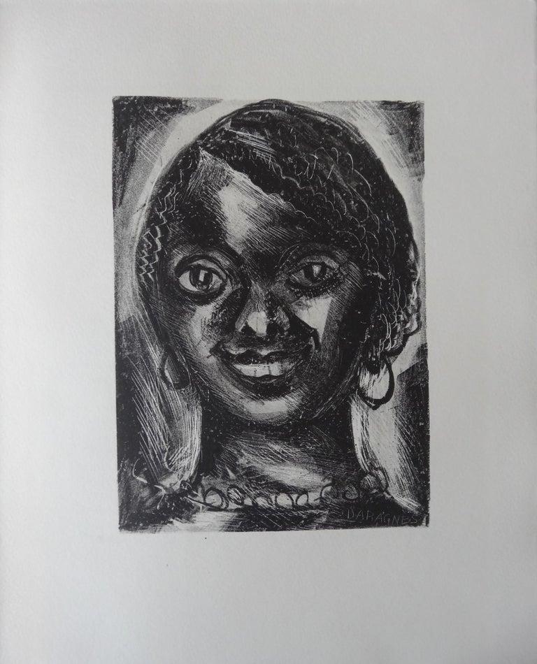 Jean Gabriel Daragnès  Portrait Print - Smilling Woman - Stone lithograph, 1930