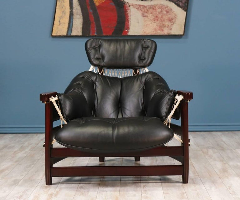 """Jean Gillon """"Jangada"""" Lounge Chair for Italma Wood Art In Excellent Condition For Sale In Los Angeles, CA"""