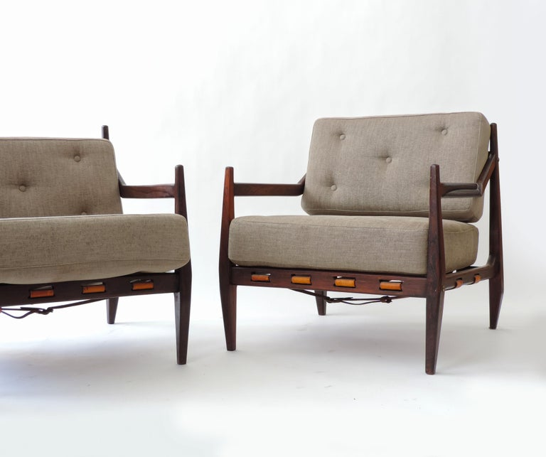 Jean Gillon Pair of Armchairs, Brazil, 1960 In Good Condition For Sale In Milan, IT