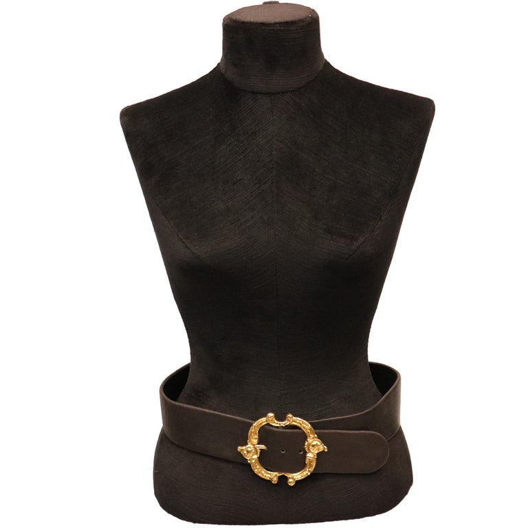 Jean L'Insolite Black Leather Belt W/ Gold Buckle. In excellent condition   Measurements:  Longest length - 29 inches Shortest length - 27.5 inches