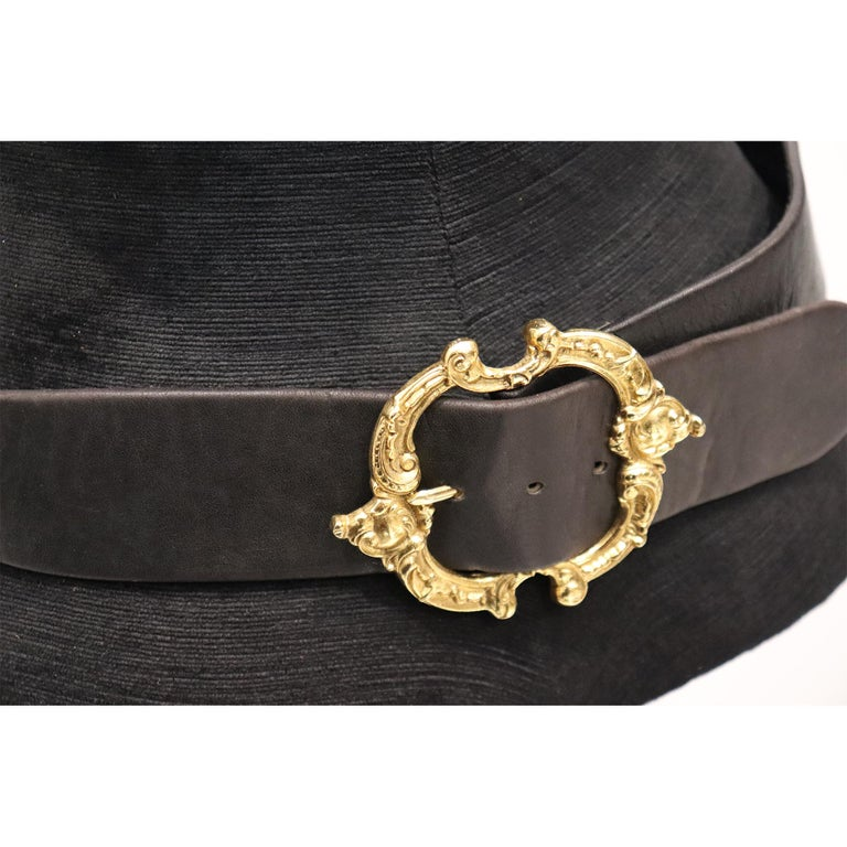Jean L'Insolite Black Leather Belt W/ Gold Buckle In Excellent Condition For Sale In Los Angeles, CA
