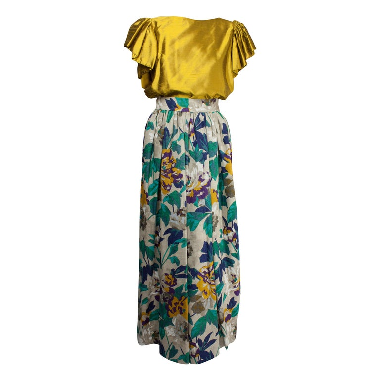 Jean Patou two pieces silk and natural linen skirt evening ensemble, c.1970s For Sale